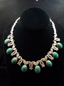 Beautiful Green Stones Vintage Mexican Silver Necklace