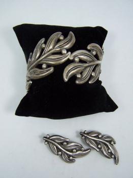 Margot de Taxco Vintage Mexican Silver Leaf Clamper Set