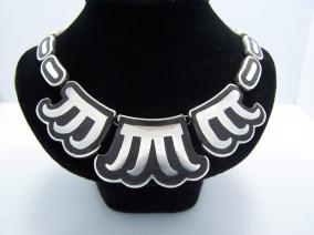 Los Castillo Vintage Mexican Silver Onyx Negro Necklace