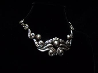 La Estrella Vintage Mexican Silver Repousse Necklace