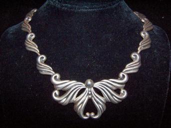Repousse Vintage Mexican Silver Bow Necklace