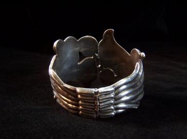 Gorgeous Lopez Vintage Mexican Silver Bracelet Clamper