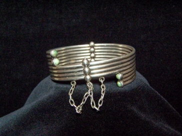 Hector Aguilar Vintage Mexican Silver Ribbed Bracelet