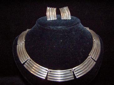 Striking Vintage Mexican Silver Necklace Bracelet Ears