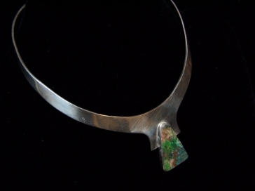 Vintage Mexican Silver Necklace with Alluring Stone