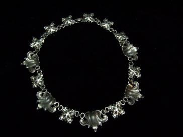 Sterling Silver Vintage Cini Fleur De Lis Necklace