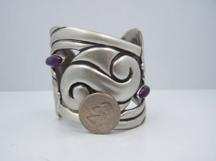 Taxco 980 Mexican Silver Repousse Cuff Amethyst
