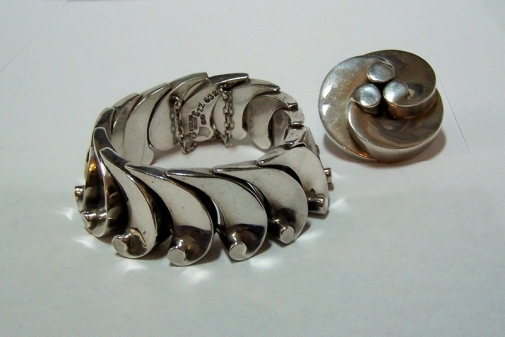 Antonio Pineda Vintage Mexican Silver Wave Bracelet