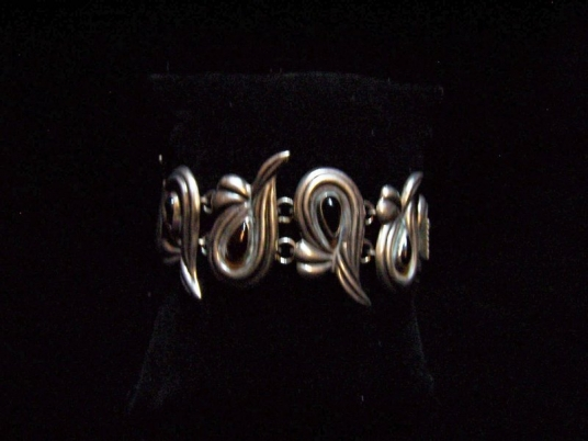 Graceful Mexican Silver Repousse Necklace / Bracelet
